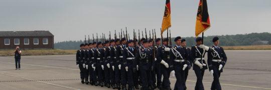 feier zum 10-jährigen Bestehen des Luftschutzregiments in Upjever, ERLAUBT