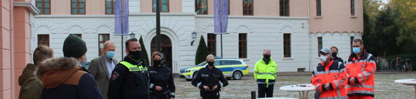 Gewalt gegen Einsatzkräfte: präventives Studierendenprojekt in Jever gestartet