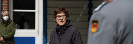 Annegret Kramp-Karrenbauer ist in Wilhelmshaven